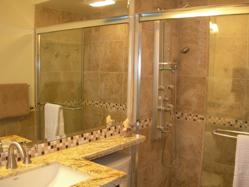 Kihei Surfside Oceanfront Unit 507 Bathroom Photo